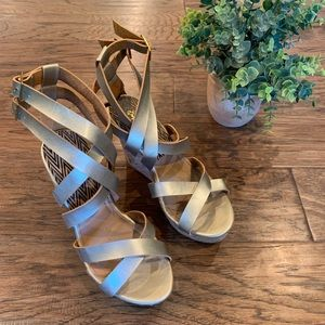 🌿Qupid Gold Wedge|Women's size 8| LIKE NEW!